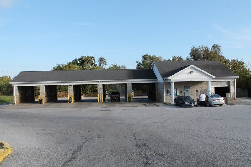 LENDER OWNED AUCTION 3,502 Sq  Ft  Car Wash on 1 07