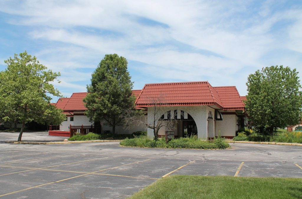 LENDER OWNED SEALED BID AUCTION:34,220 Sq. Ft. Restaurant & Event Center on 12.73 AcresNorth Royalton, OH